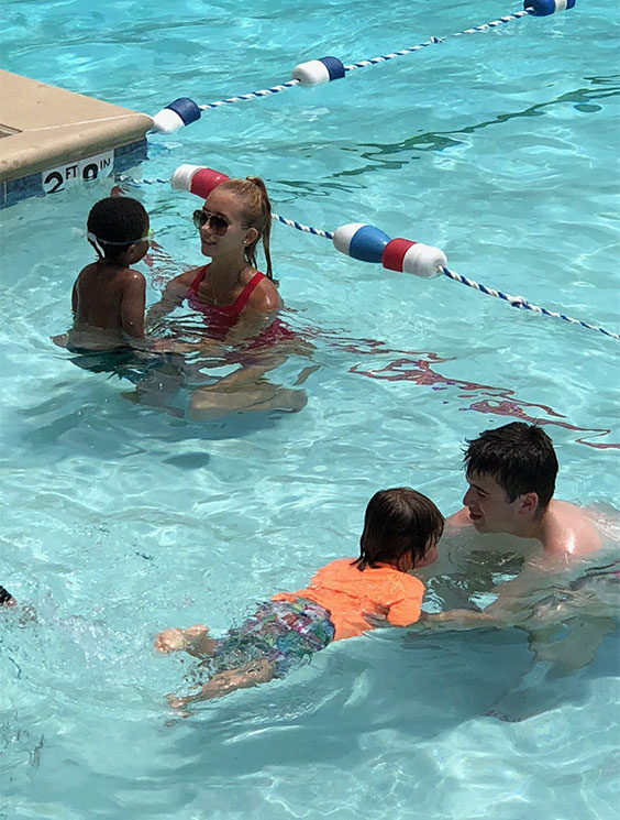 swimming-img